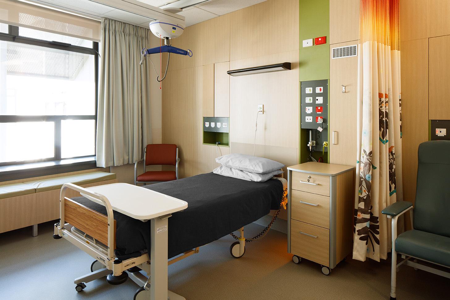 Klein_Burwood_Hospital_Ward