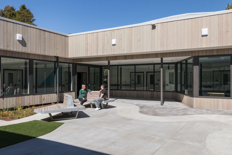 Klein Tiaho Mai Courtyard2