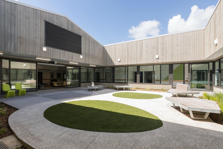 Klein Tiaho Mai Courtyard Oval