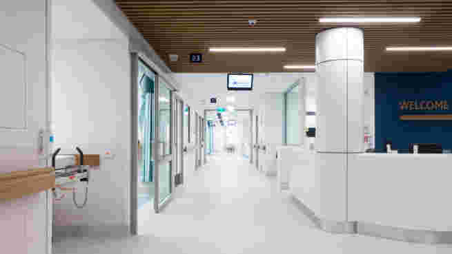 Klein_Auckland_Hospital_CDU_Corridor